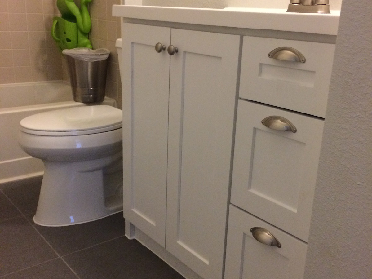 white shaker bathroom vanity - Shaker Bathroom 2016